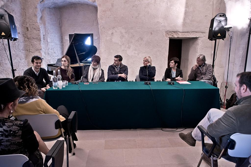 Dil Gabriele Dell' Aiera, Giselda Volodi, Laura Morante, Emilio Milani, Emanuela Piovano, Donatella Gaeta, Gigio Alberti