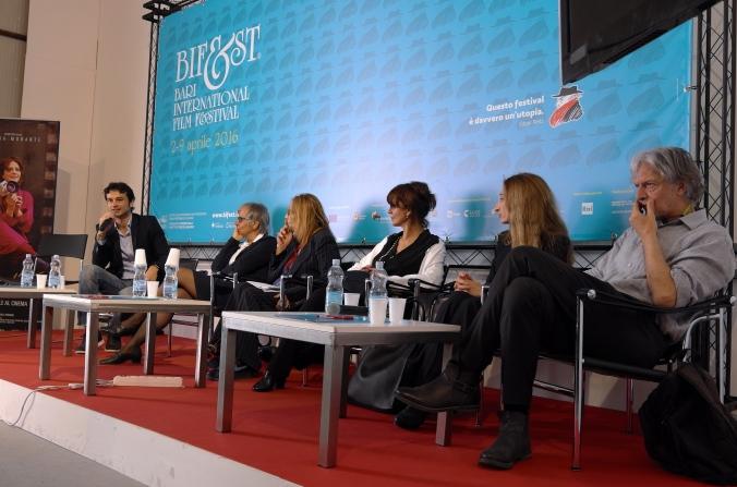 Dil Gabriele Dell'Aiera, Emanuela Piovano, Maria Pia Fusco, Laura Morante, Giselda Volodi, Gigio Alberti